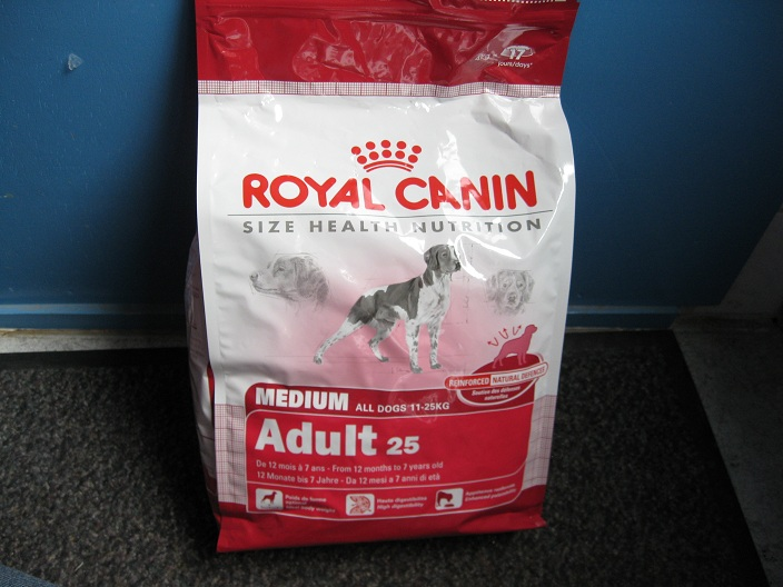 royal canin hond medium adult 10 kg diervoeding. Black Bedroom Furniture Sets. Home Design Ideas